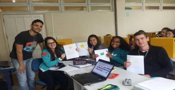 Professor Wemerson Nogueira, com alunos em Boa Vista (ES)  Divulgação